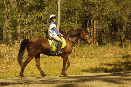 Laura-completing-endurance-ride-on-Rocky