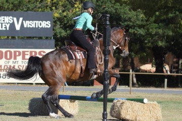 Wilga Park Liana and Vicki Kirss Hunter class